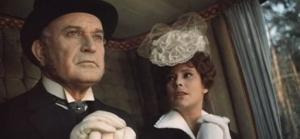 Fotograma:Anna Karenina y su esposo duque Karenin