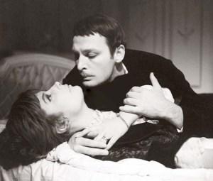 Karenina y Vronskiy. En el momento del rodaje estaban divorciados