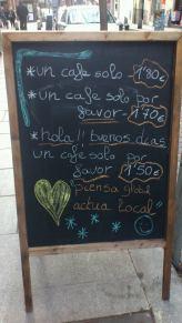 Pizarrita con un menú del día del Café El Mar